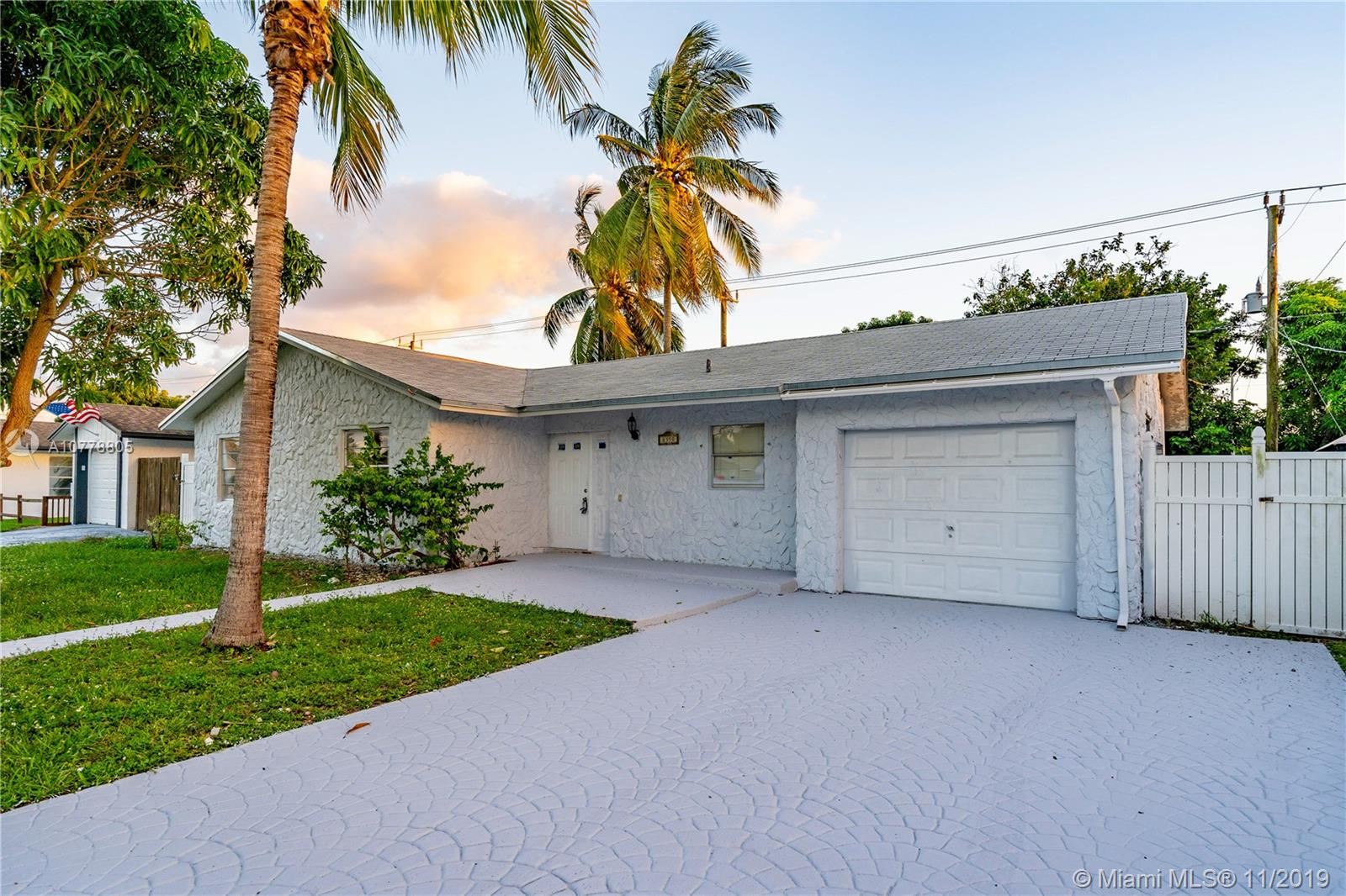 8350 NW 45th St  For Sale A10778805, FL