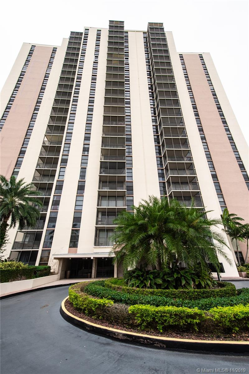 20379 W Country Club Dr #135 For Sale A10778228, FL