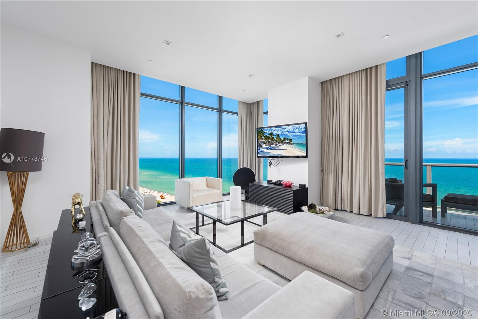 2201  Collins Ave #2006/UPH For Sale A10778746, FL