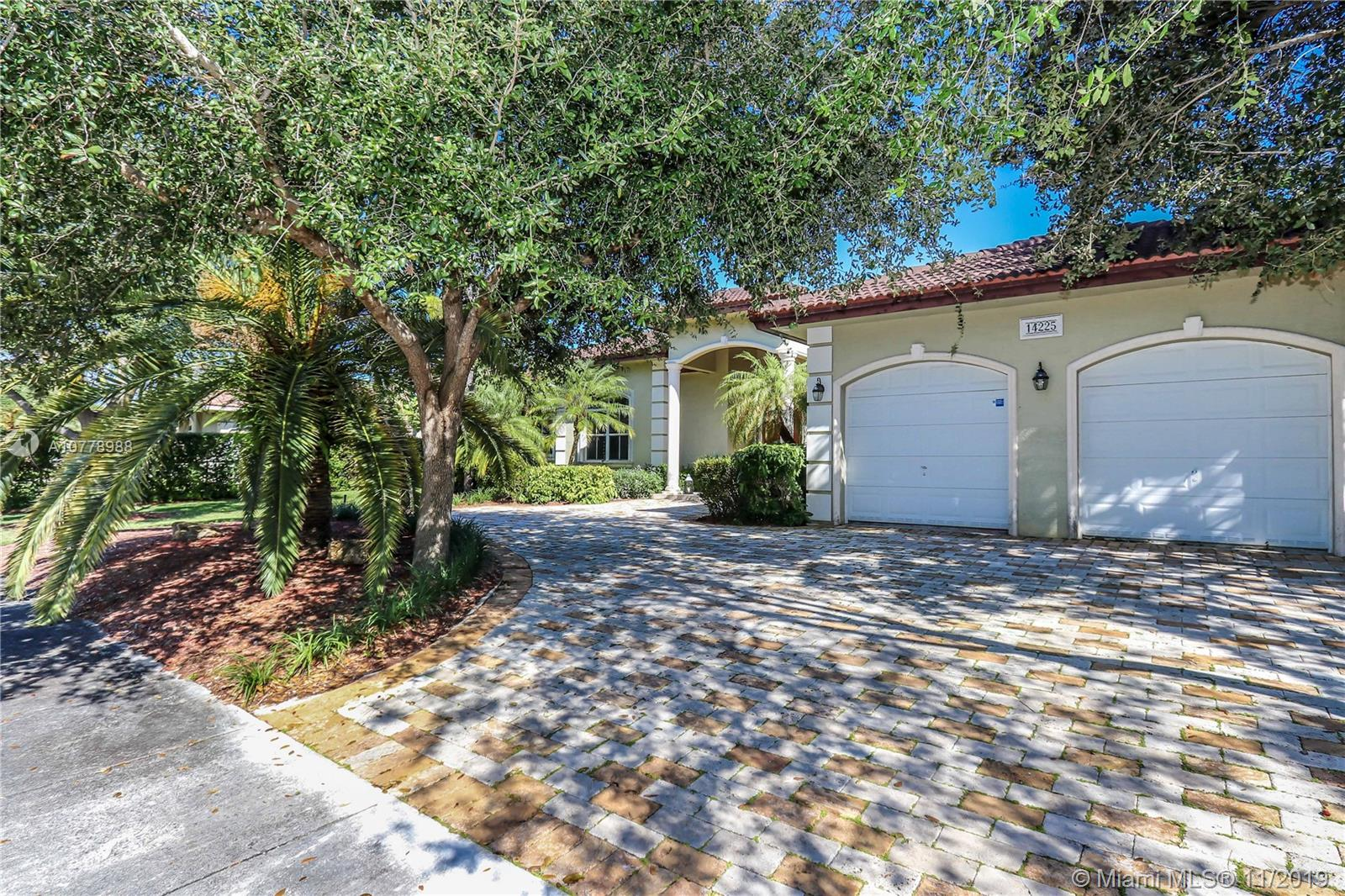 14225 SW 82nd Ct  For Sale A10778988, FL