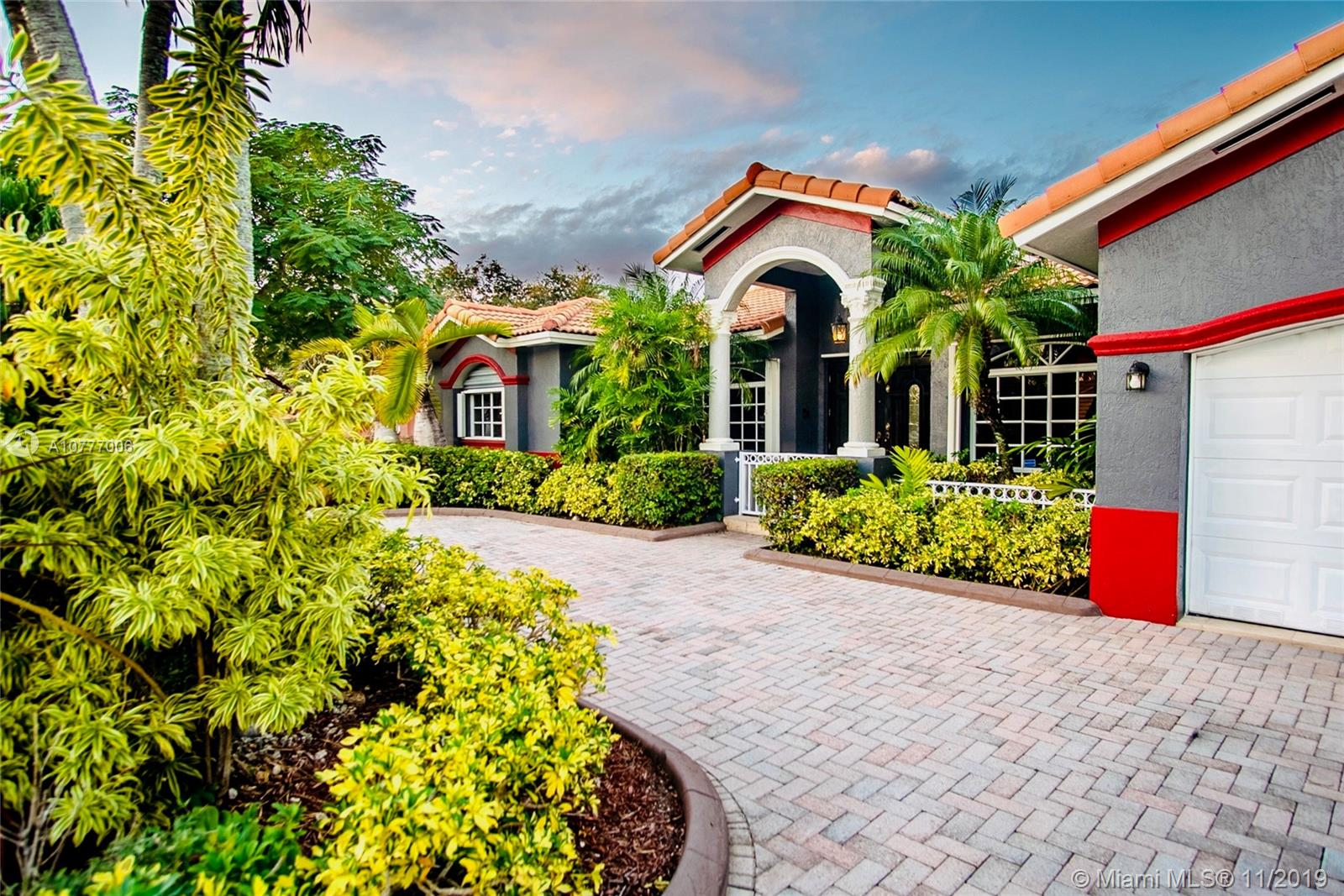 15123 SW 35th Ter  For Sale A10777006, FL