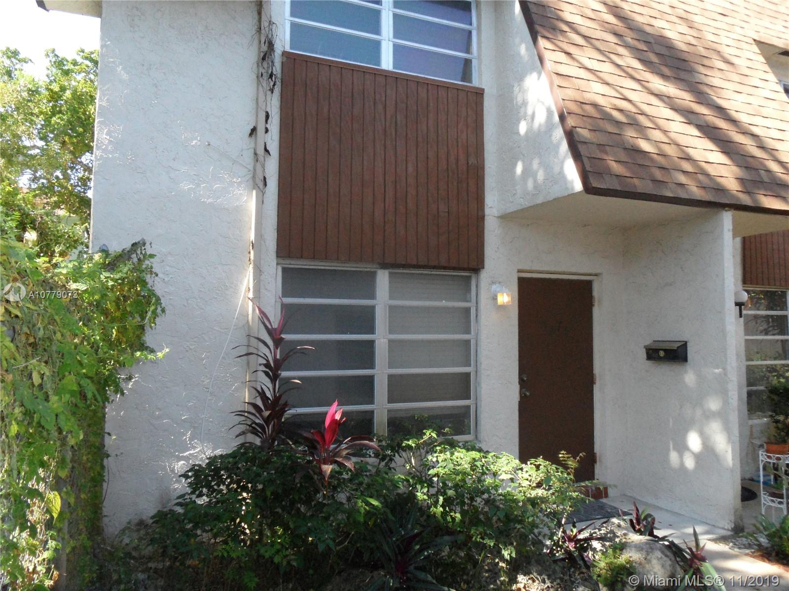 5273 SW 40th Ave #19 For Sale A10779073, FL