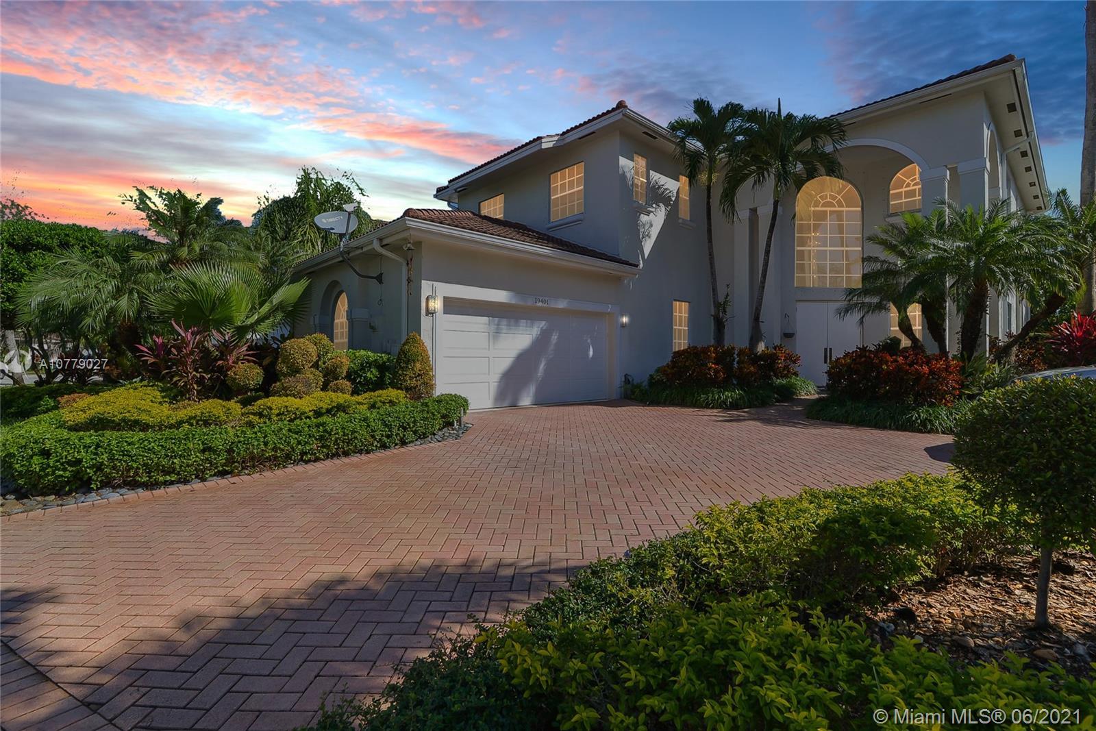 19401 NE 15th Ct, Miami, FL 33179