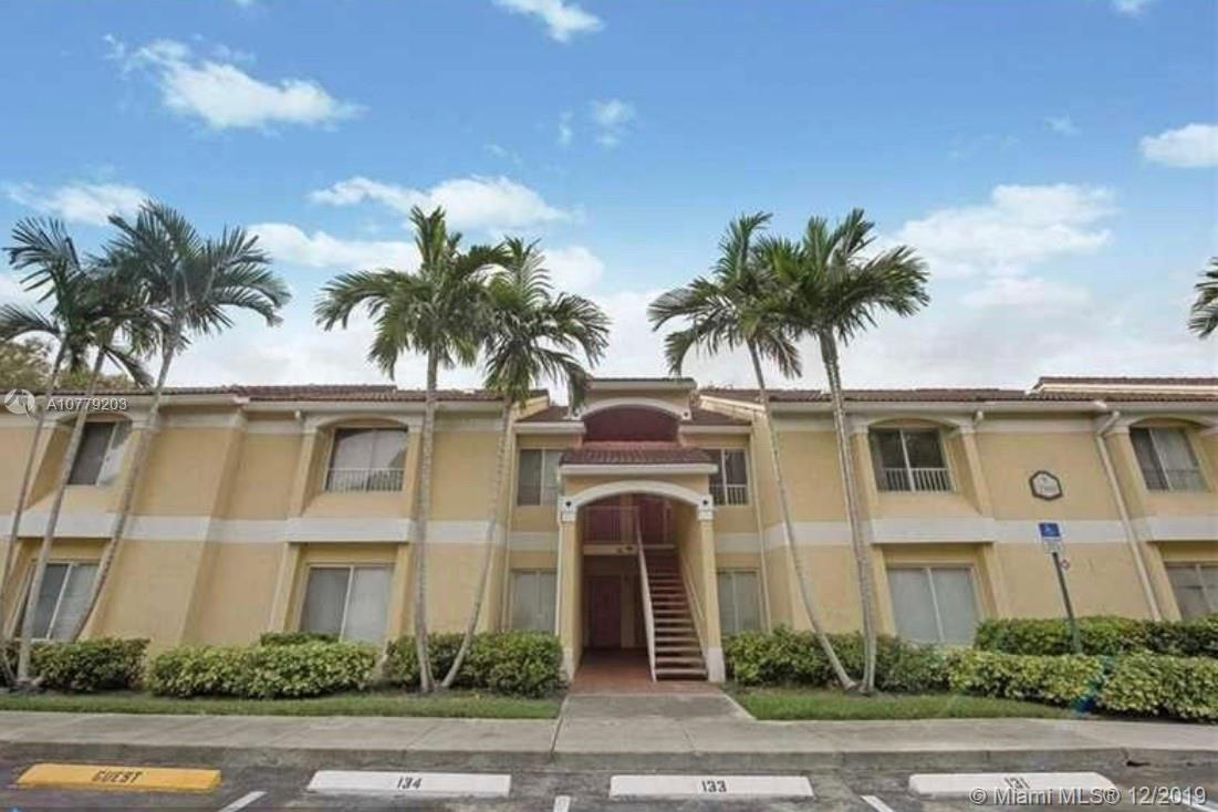 Large 2/2 apartment located on the first floor facing private and quite forest like area! Laminated floors throughout, washer and dryer. Great amenities such as pool, gym, tennis court, and clubhouse. Close to I-95 and downtown Ft Lauderdale. Great unit must see!! Pet  friendly community.