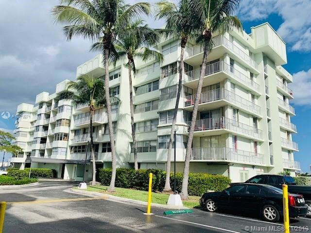 16558 NE 26th Ave #2D For Sale A10779271, FL
