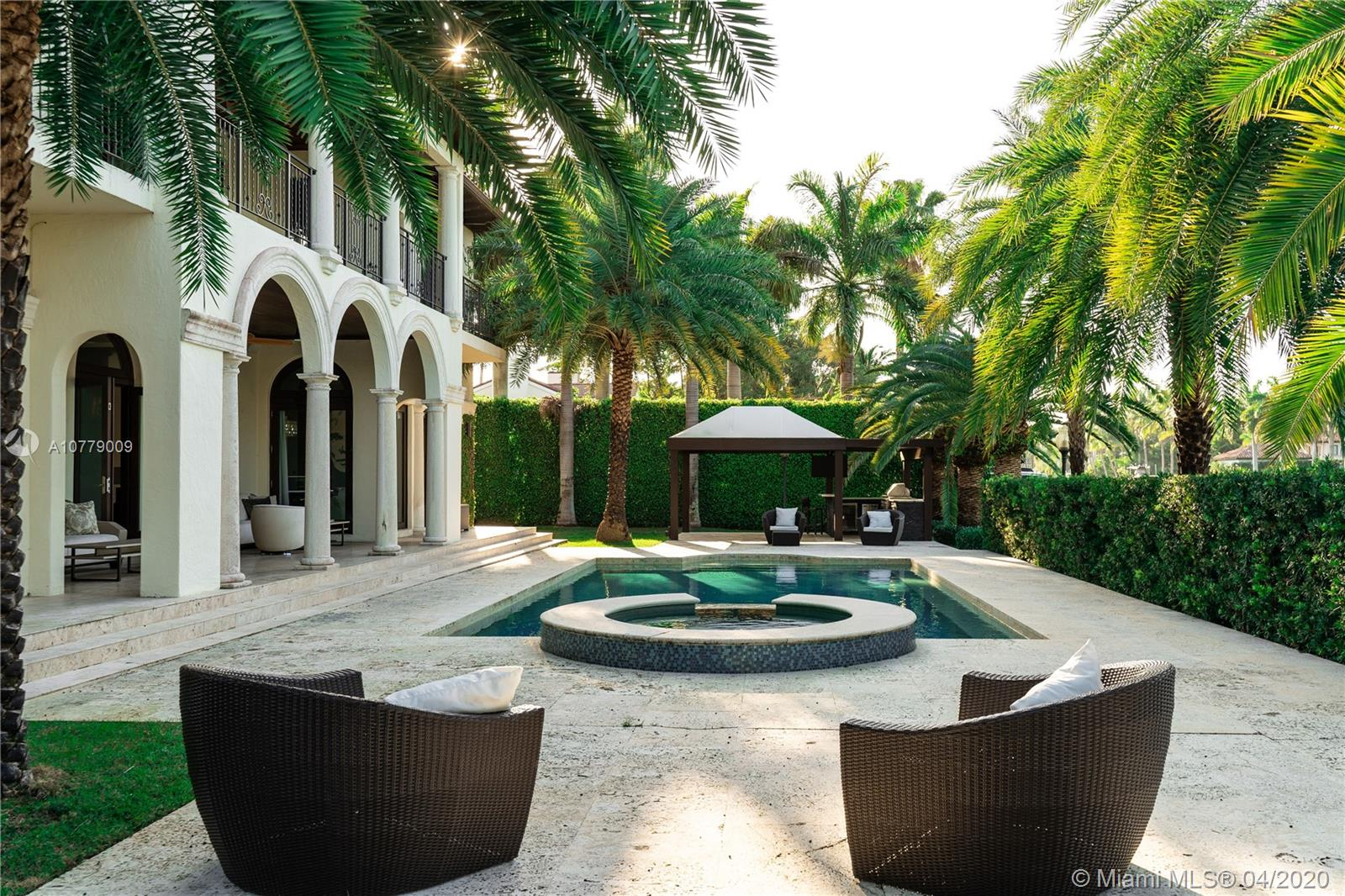 1525 W 24th St  For Sale A10779009, FL