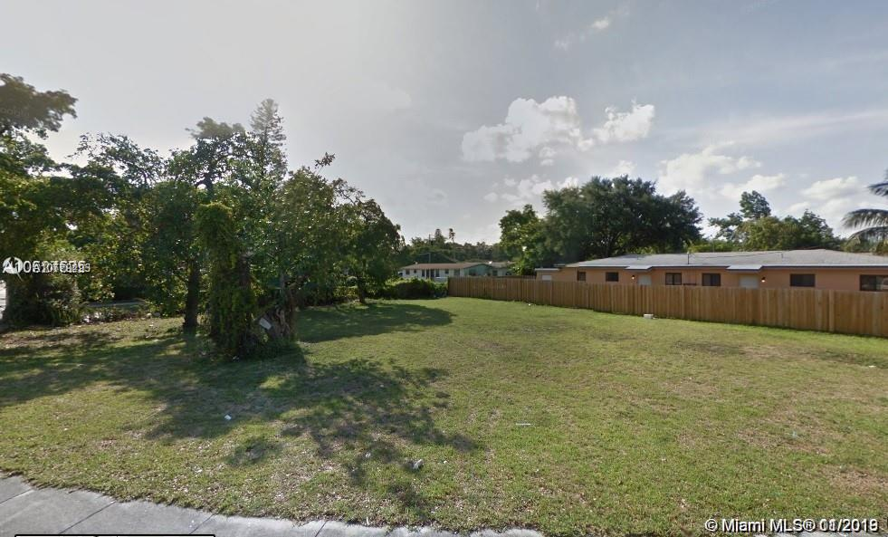 4612 NW 15th Ave  For Sale A10779293, FL