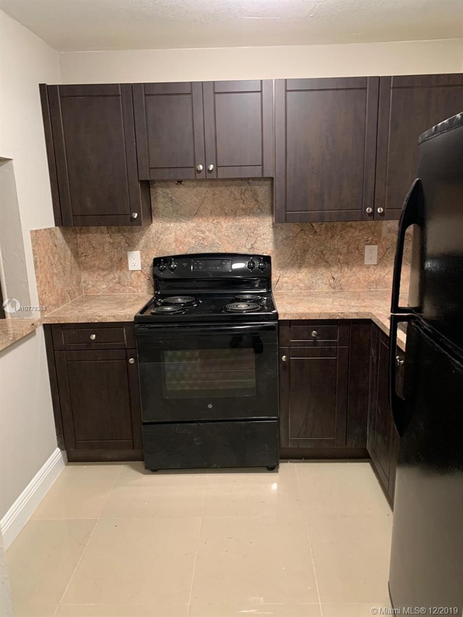 13725 NE 6th Ave #303 For Sale A10779368, FL