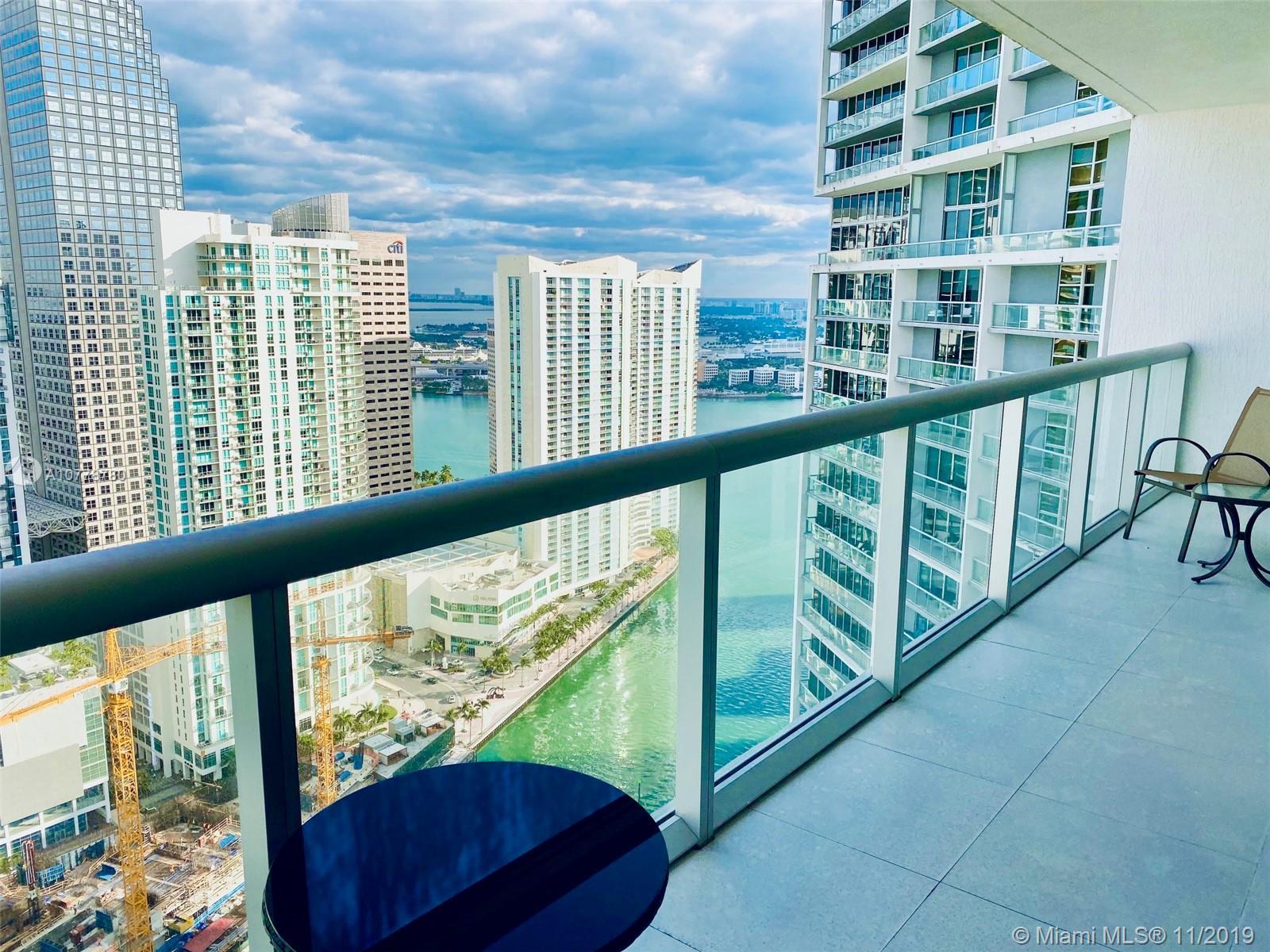 475 Brickell ave #4015, Miami FL 33131