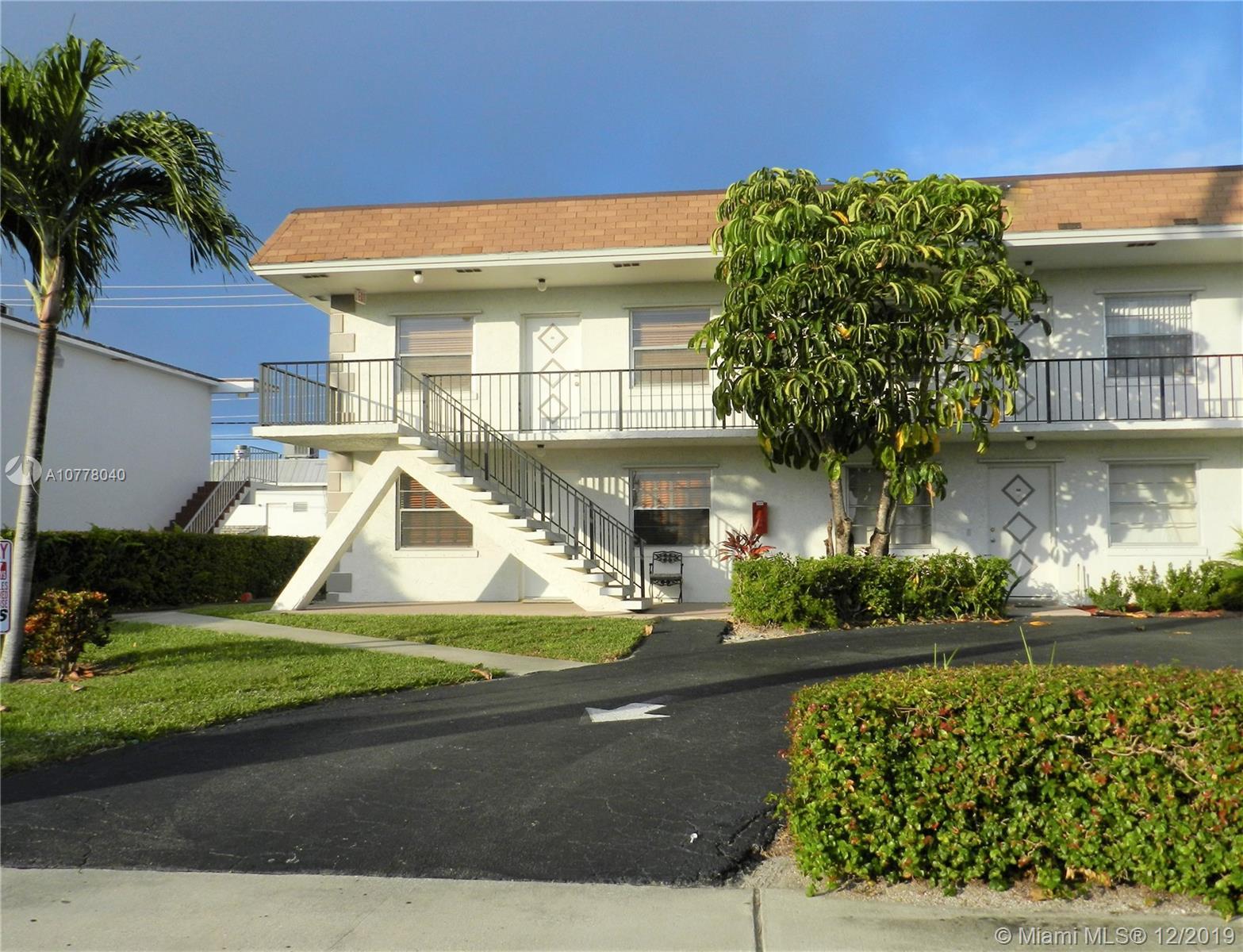 227 Castlewood Dr 101, North Palm Beach, FL 33408