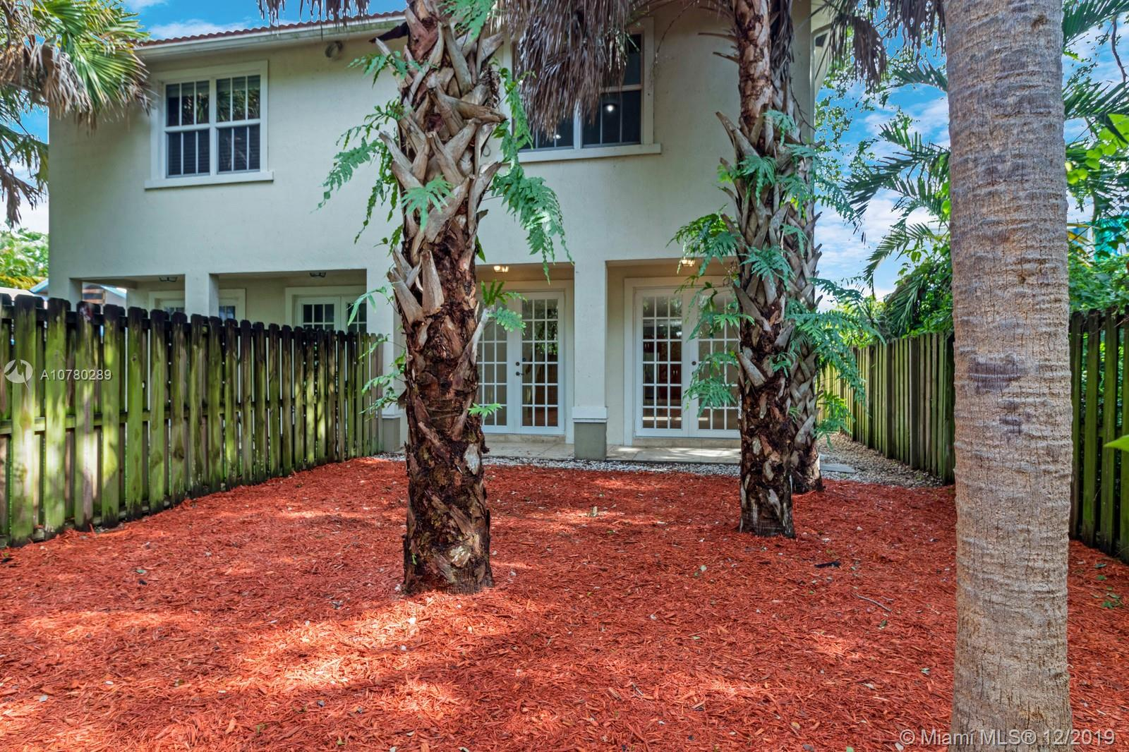 Best value in Tarpon River, impecable floor plan with 2,500 SF under air plus a lush, generous backyard. Travertine marble floors downstairs, bamboo stairs and hallway lead you to bedrooms upstairs. Master suite oversized with 3  closets. Two car garage plus 4 car driveway.