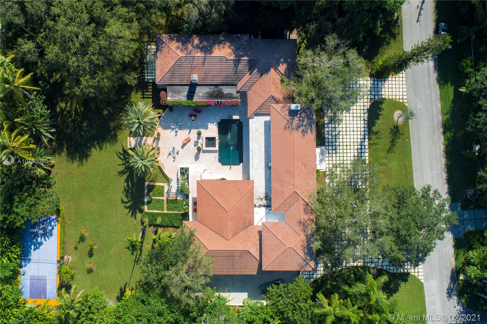 10255  Lakeside Drive  For Sale A10780080, FL