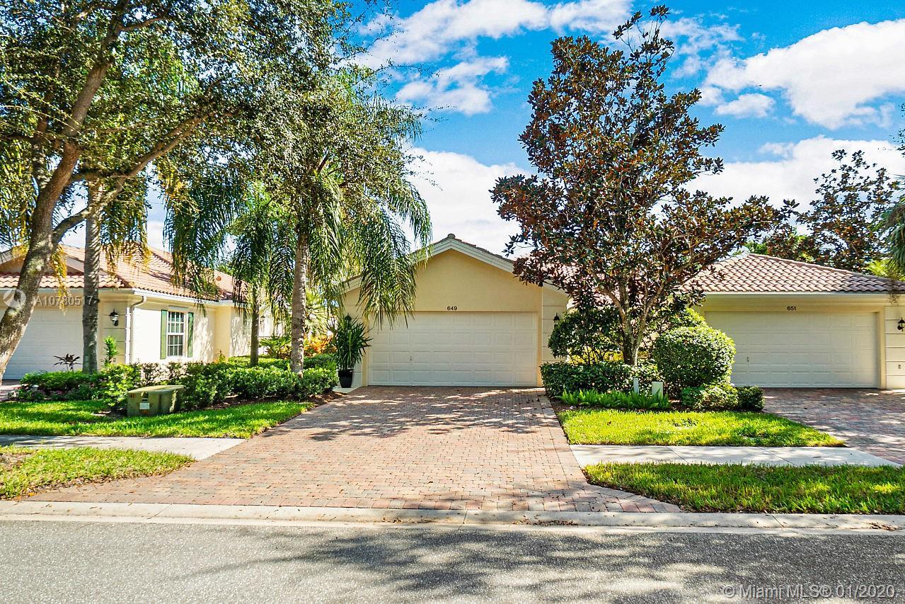 649 Hudson Bay Dr, Palm Beach Gardens, FL 33410