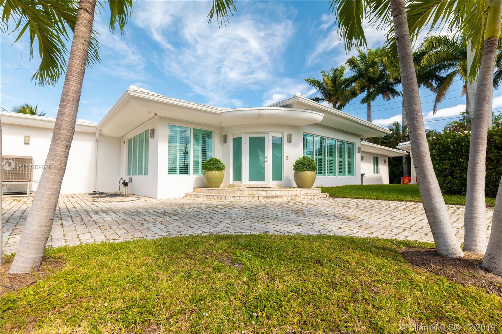 8909 S Irving Ave  For Sale A10780499, FL
