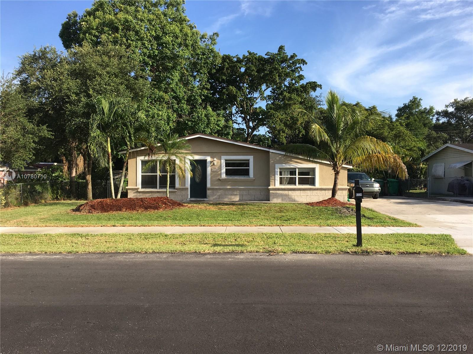 6220 SW 41st St  For Sale A10780710, FL