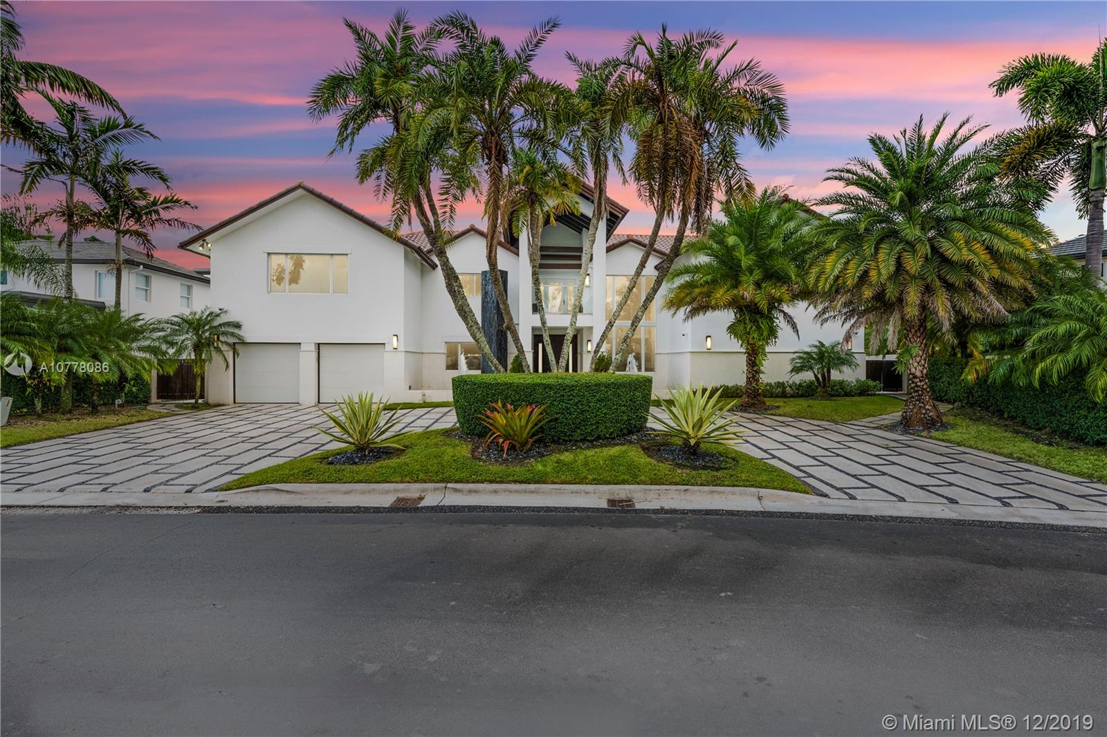 5274 NW 94th Doral Pl  For Sale A10778086, FL