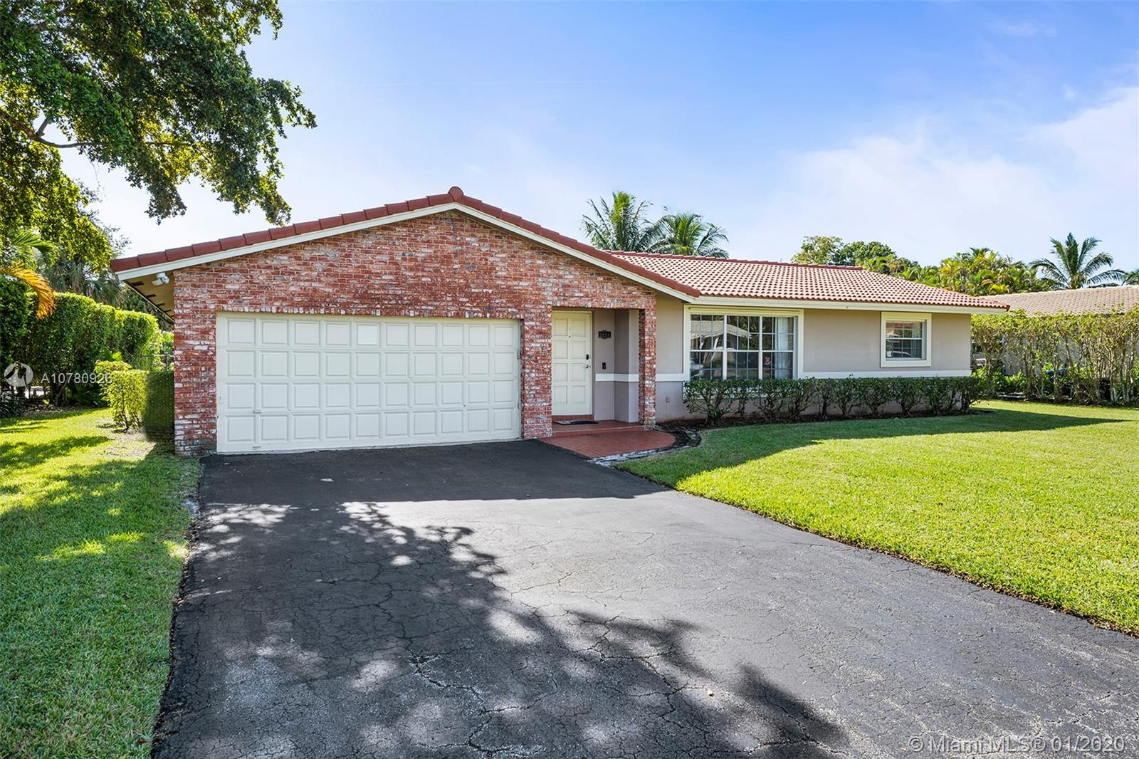 9886 NW 16th St, Coral Springs FL 33071