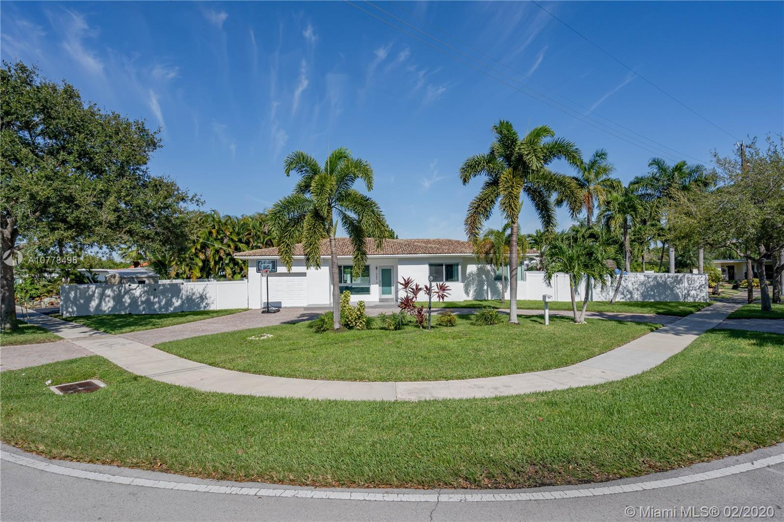 1985 N Hibiscus Dr  For Sale A10778495, FL