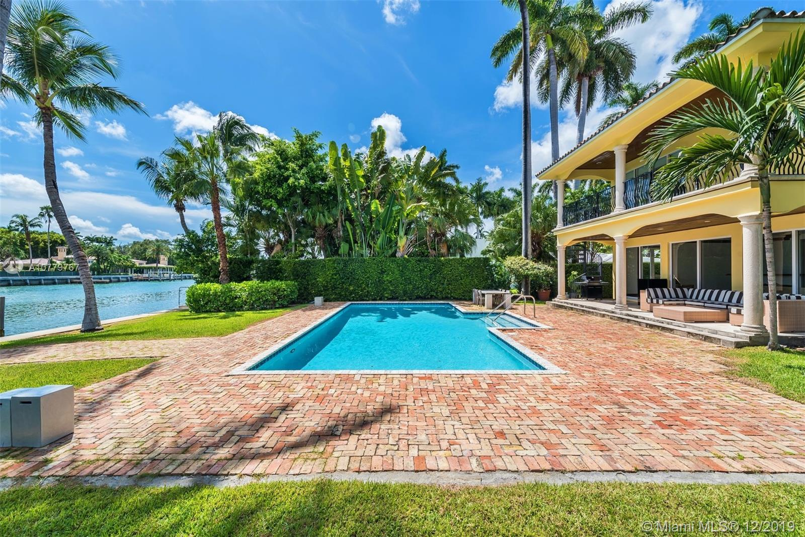 2770  Sunset Dr  For Sale A10779767, FL