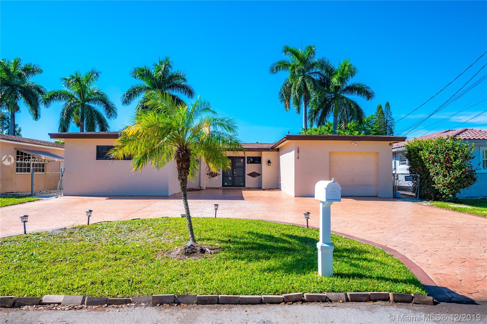 3816 E Lake Rd  For Sale A10779444, FL