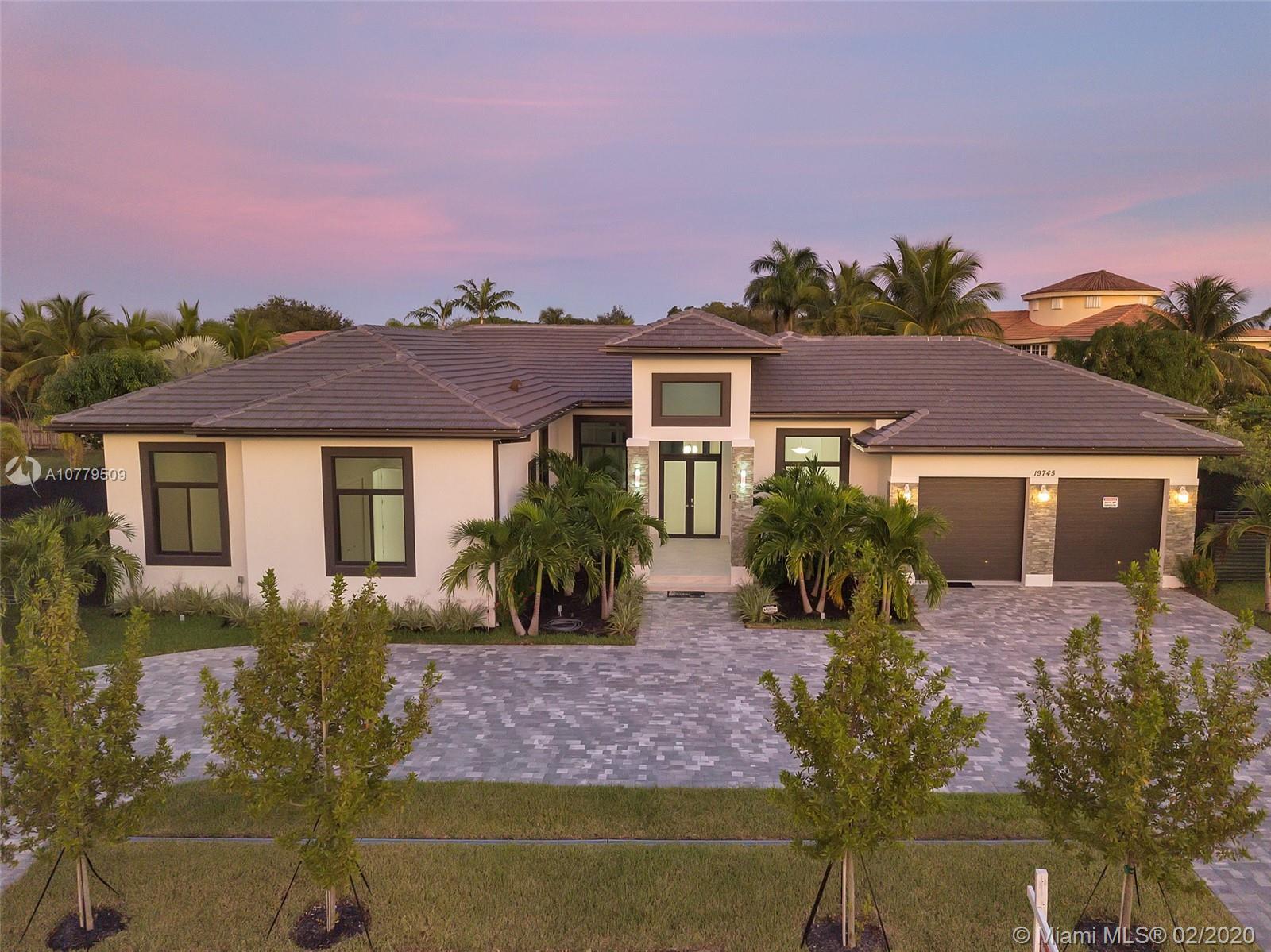 19745 SW 135th Ave, Miami, FL 33177