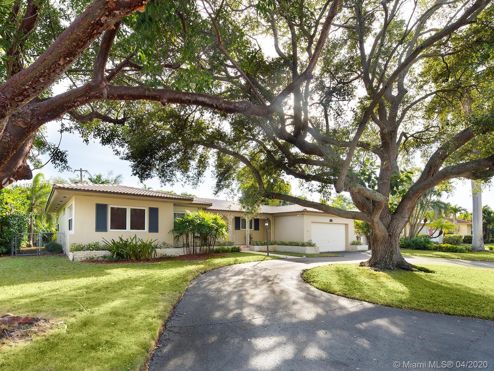 1420 NE 102nd St  For Sale A10780977, FL