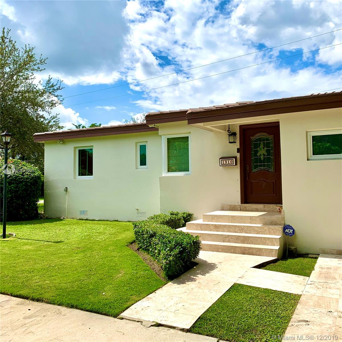 1910 SW 32 Ct  For Sale A10781593, FL