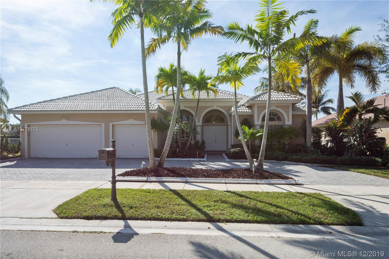 12540 NW 20th St, Pembroke Pines, FL 33028