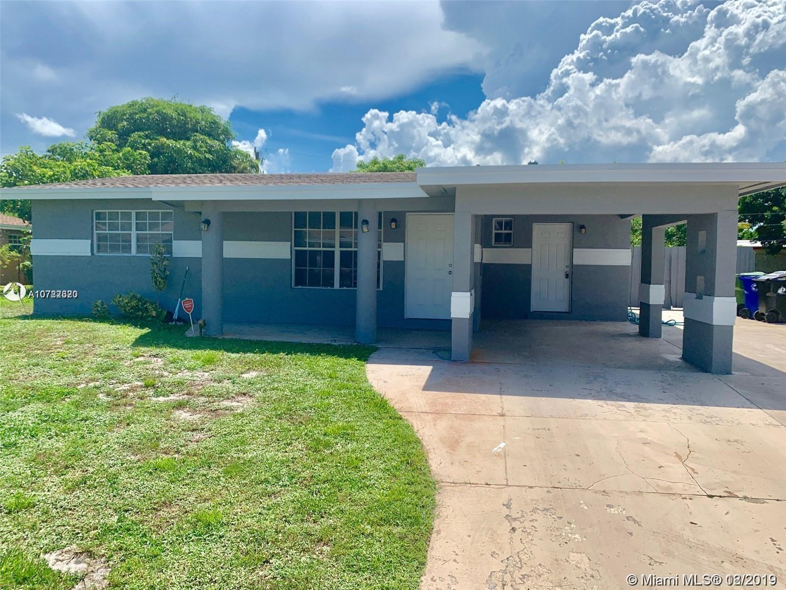 521 SW 28th Drive  For Sale A10782320, FL