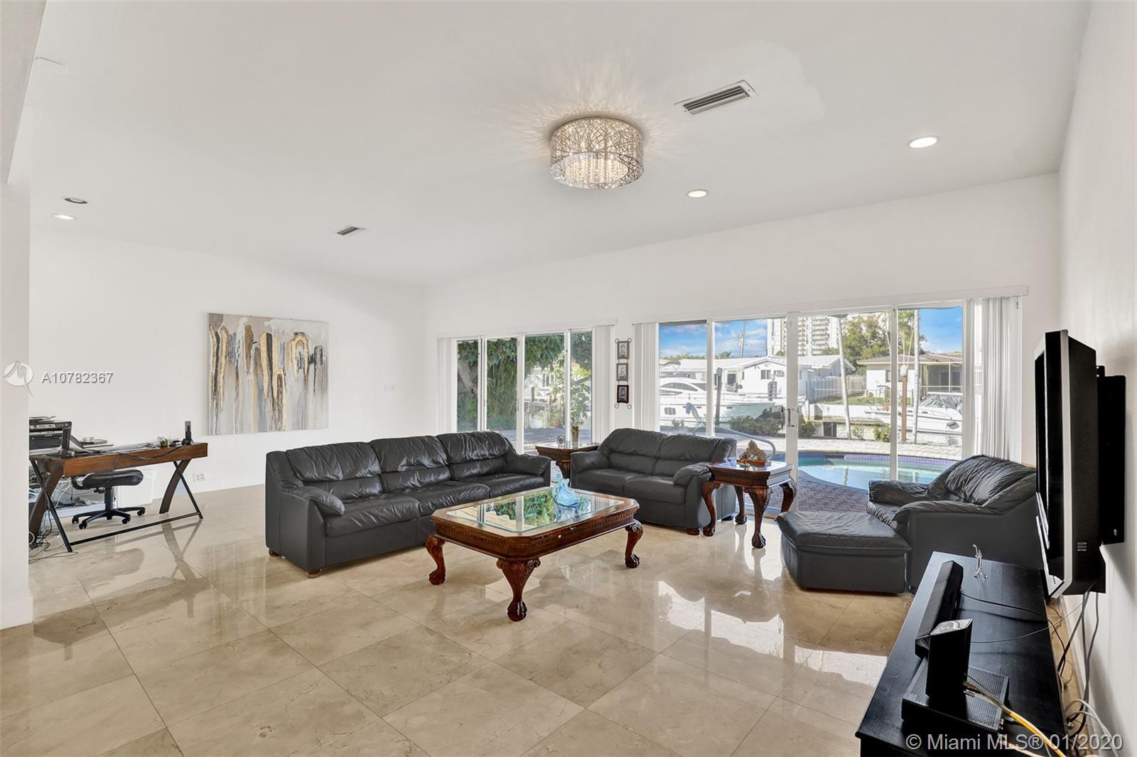 2315  Biscayne Bay Dr  For Sale A10782367, FL