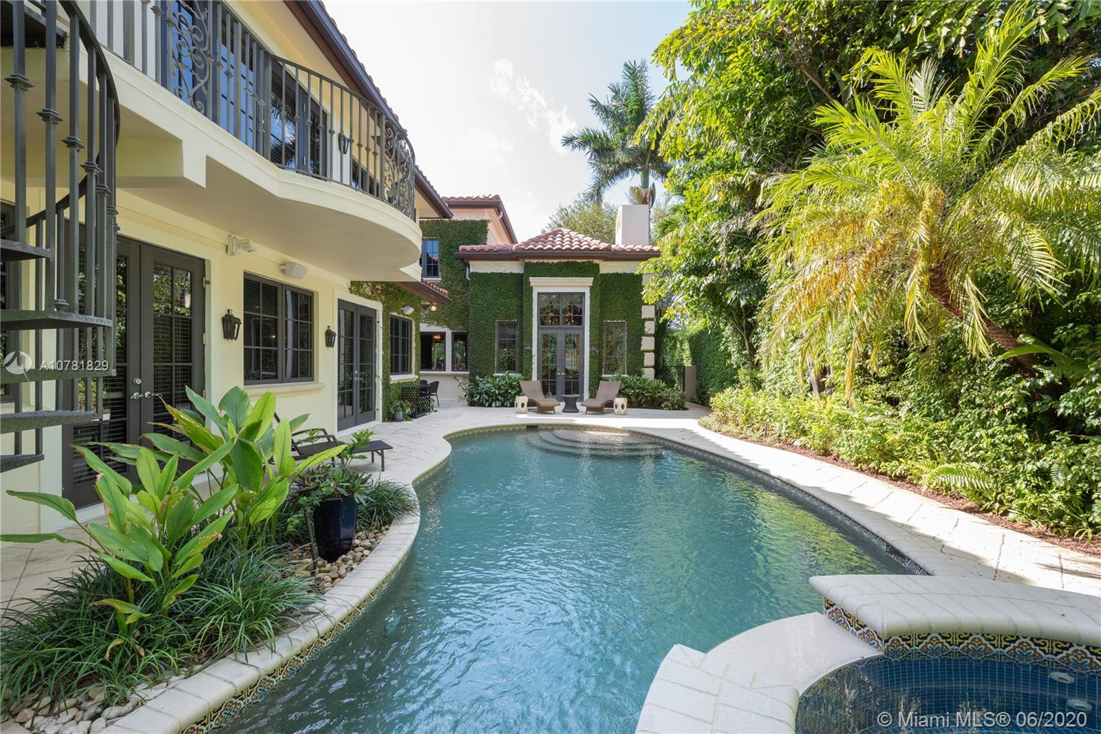 115  Camden Dr  For Sale A10781829, FL