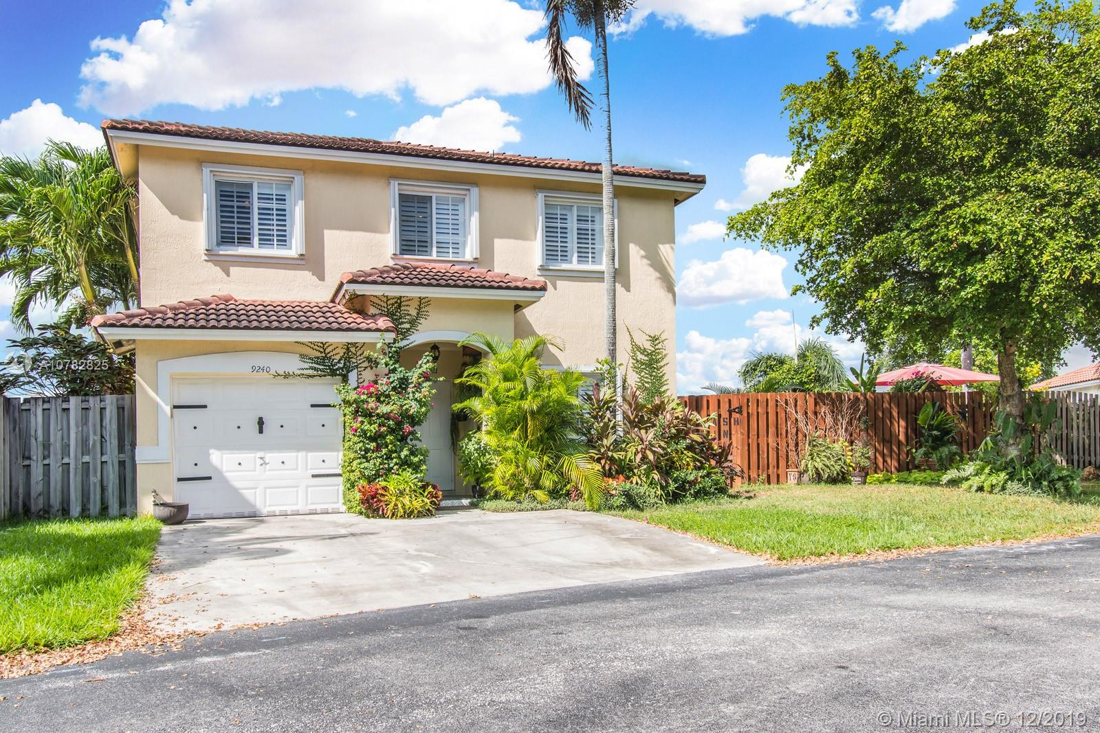 9240 SW 215th Ter  For Sale A10782825, FL