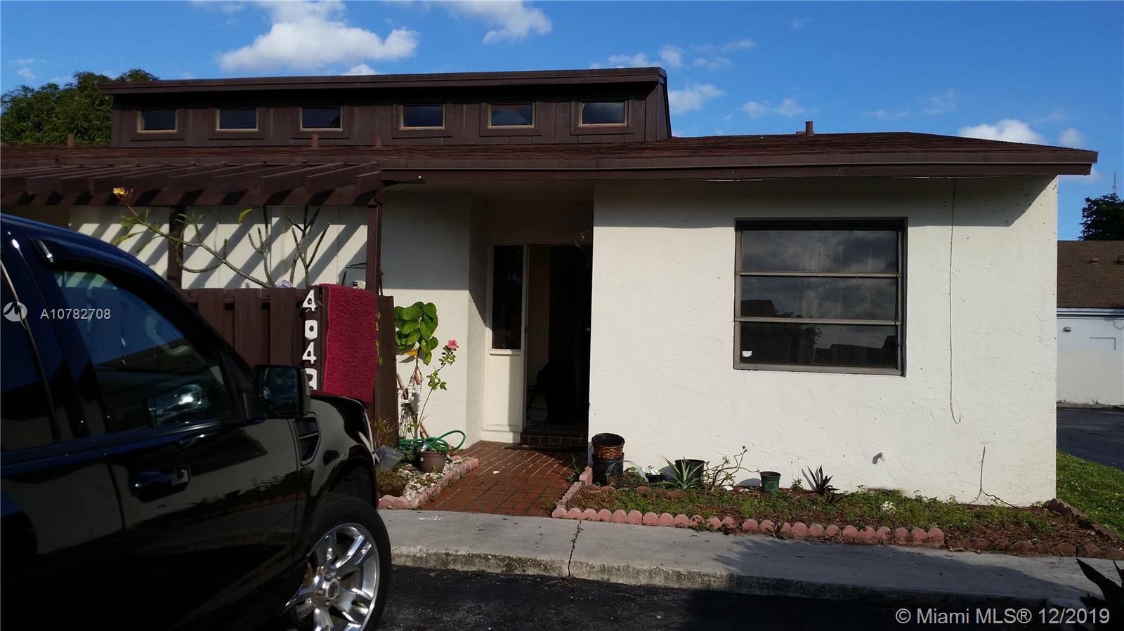 4043 SW 69th Ter #6-M For Sale A10782708, FL