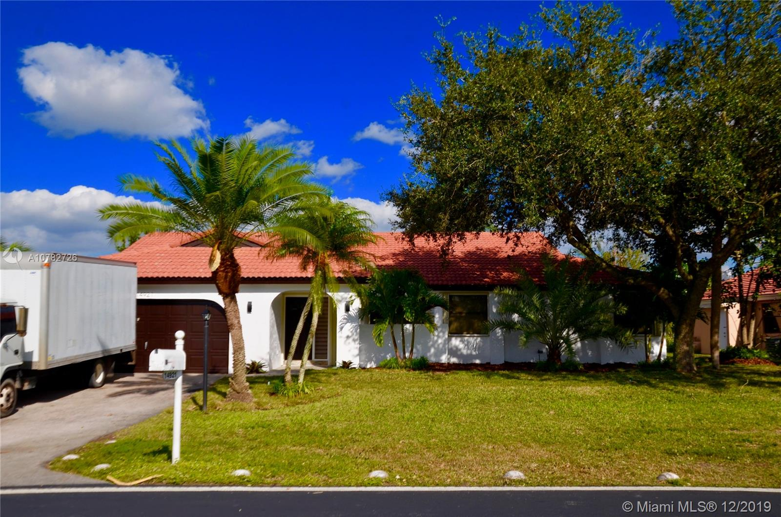 14921 E Waterford Dr  For Sale A10782726, FL