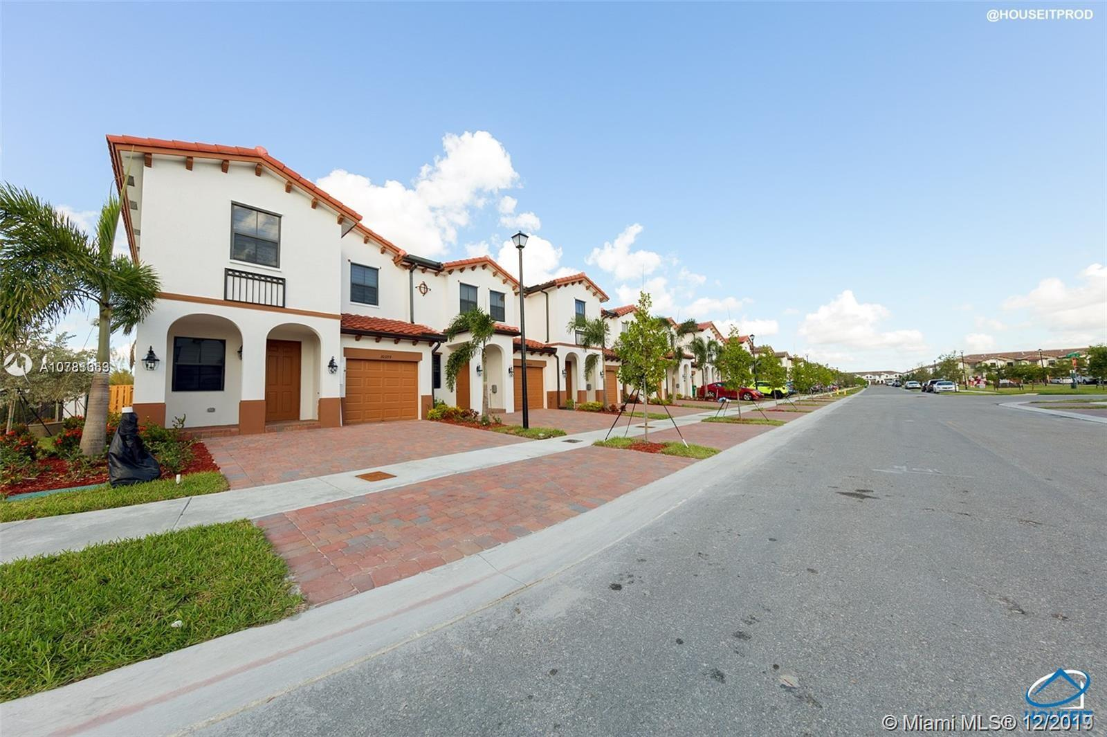 10399 NW 89th Ter  For Sale A10783063, FL