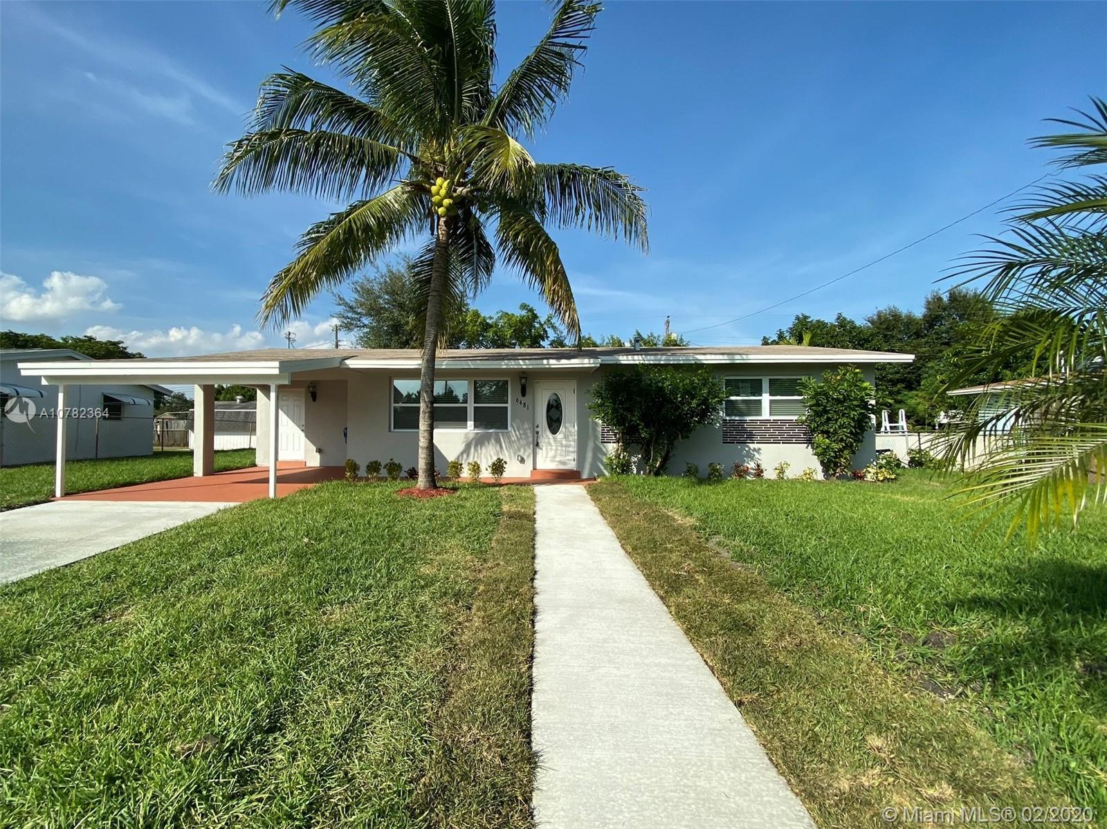 6481  Lincoln St  For Sale A10782364, FL