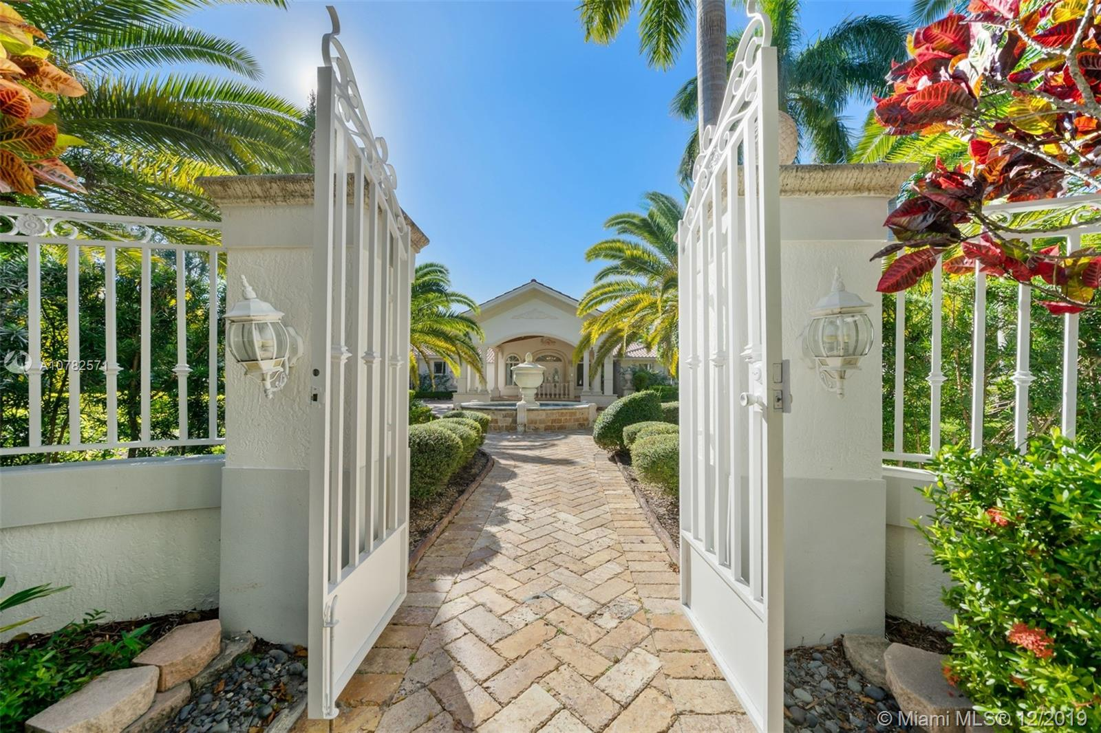 5800 SW 104th St  For Sale A10782571, FL