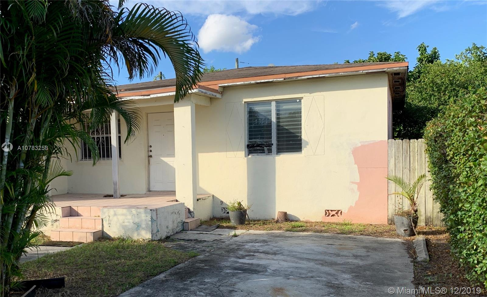 417 E 18th St  For Sale A10783258, FL