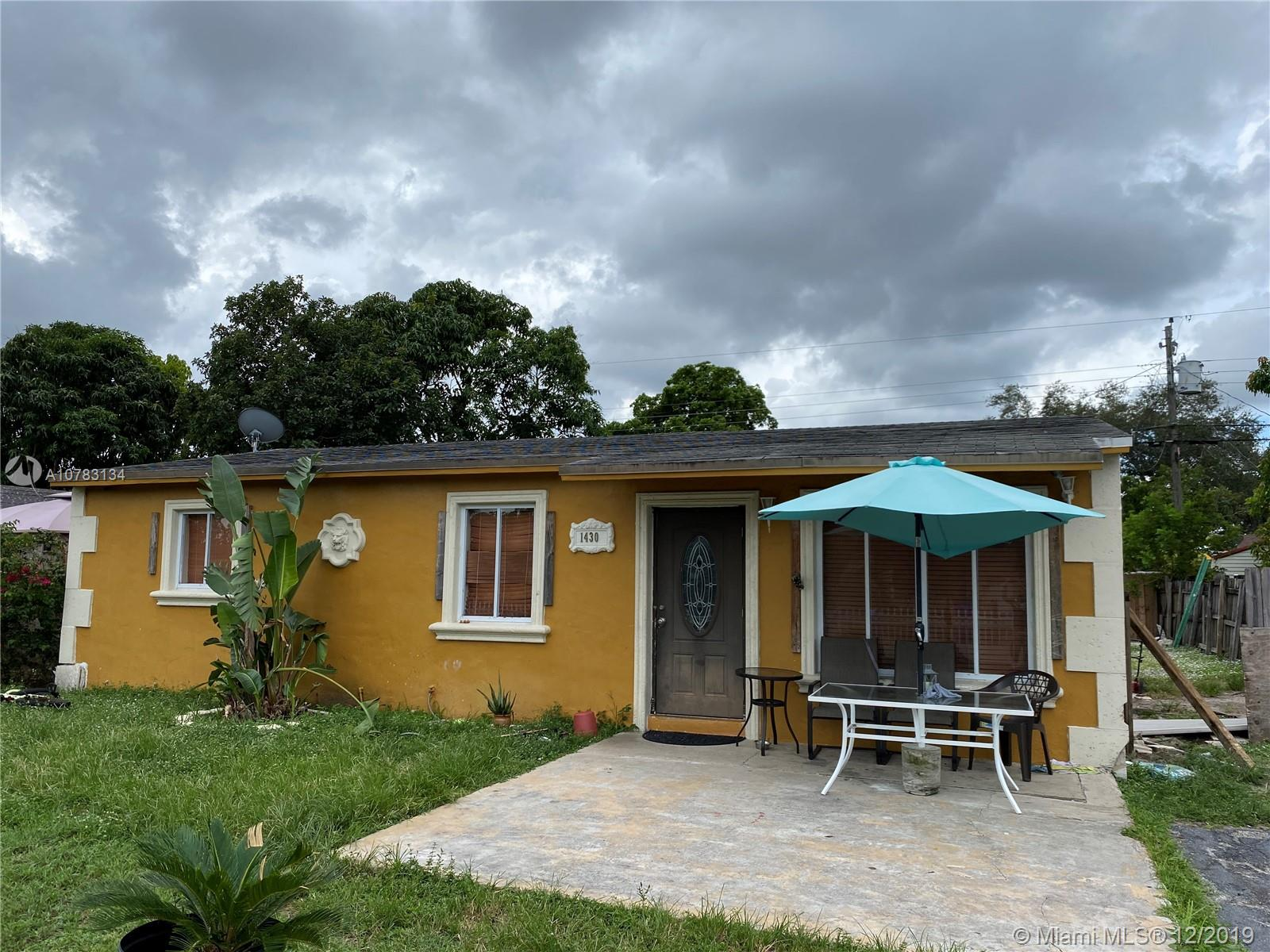 1430 N 71st Ter  For Sale A10783134, FL