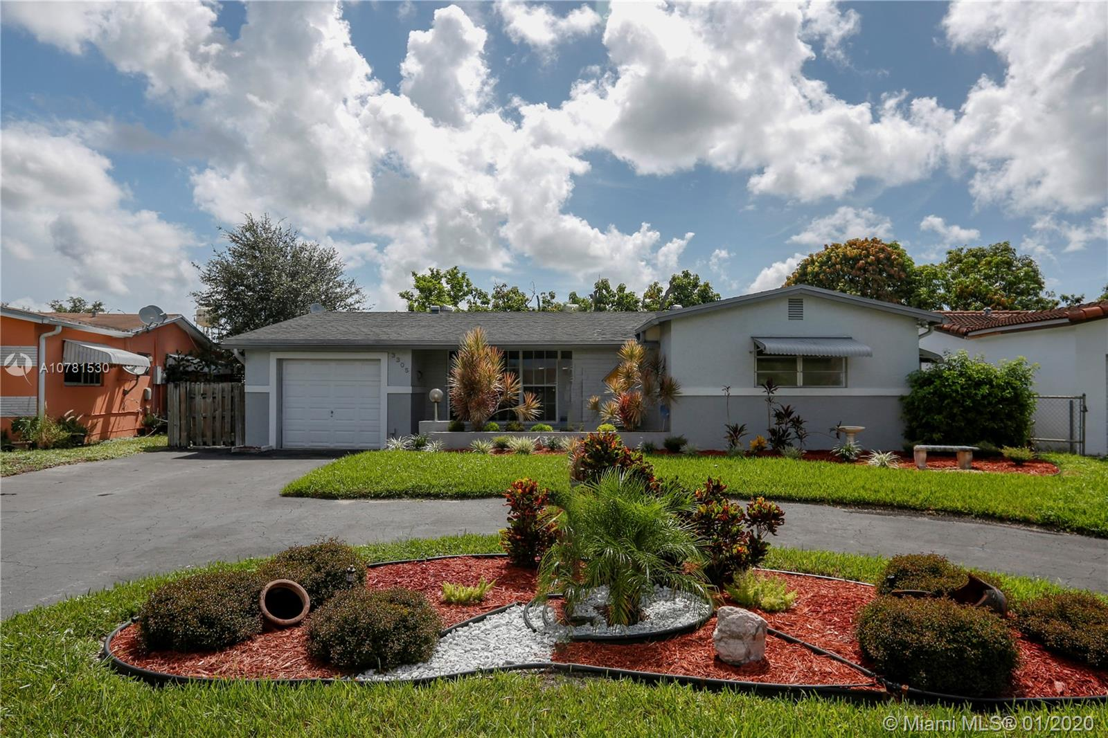 3305  Acapulco Dr  For Sale A10781530, FL
