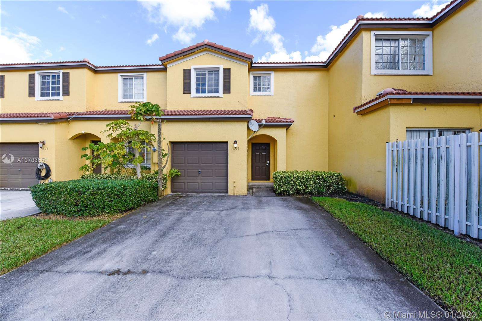 1717 SW 101st Ter  For Sale A10783651, FL