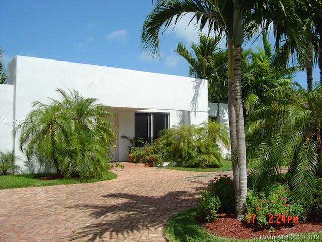 365  Hampton Ln  For Sale A10783694, FL