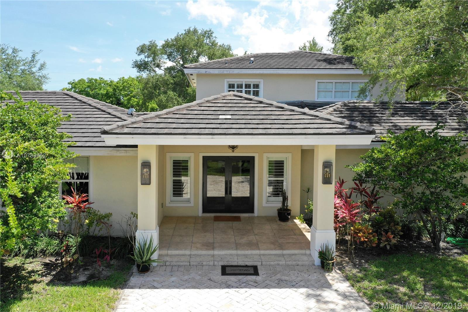 5850  Rolling Road Dr  For Sale A10783652, FL