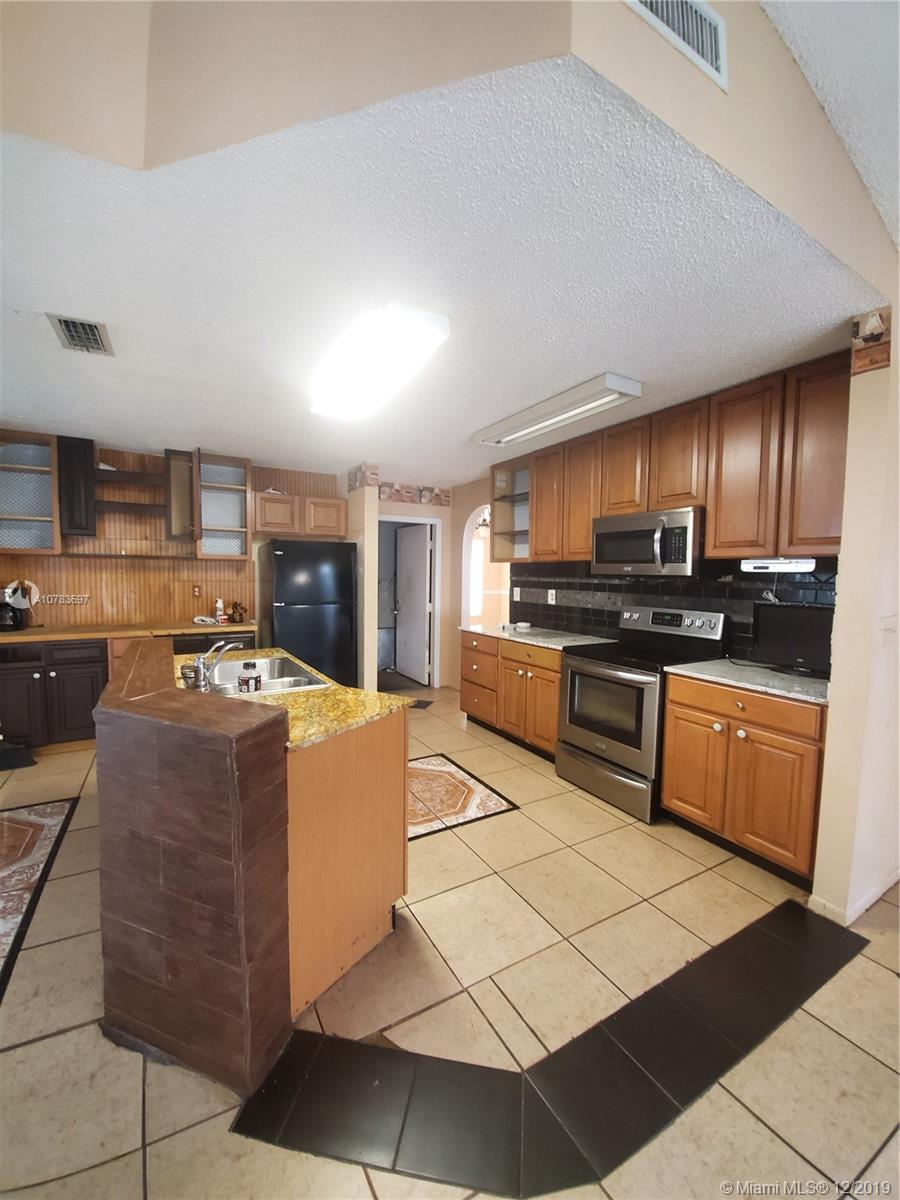 9521  Chelsea Dr  For Sale A10783697, FL