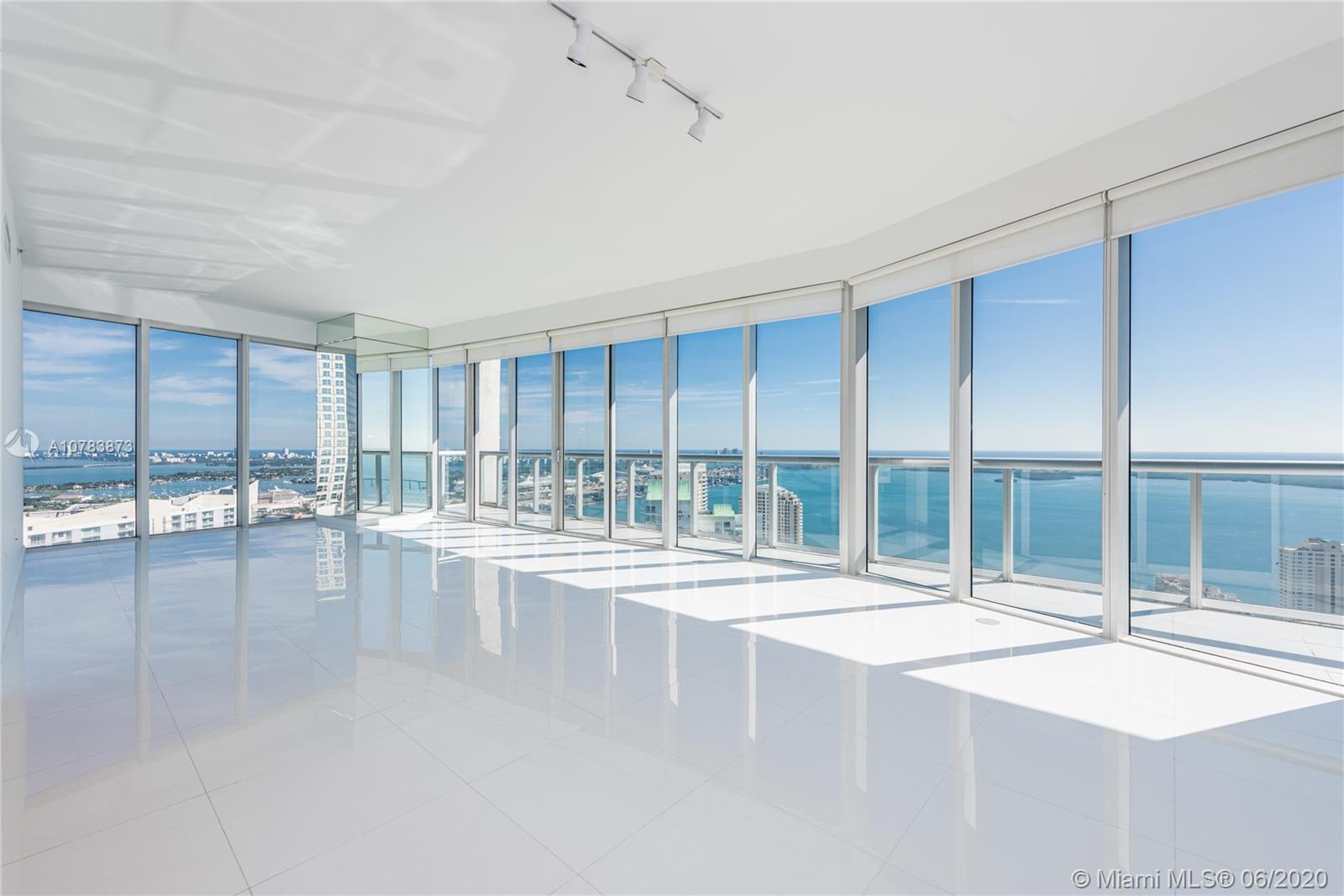 Bright 3 BR / 3.5 BA Lower Penthouse @ ICON BRICKELL, Tower I. This residence features 2,044 Sq Ft of Living Area, 2,294 Sq Ft Total area as per developer floor plan. 180° exquisite views to the South, East and North: Direct Bay and Ocean Views & partial City Views. Assigned Parking space on a low floor included. Best Sale Price in all the building  ****   BEST PRICE IN THE BUILDING   *****   VERY EASY TO SEE   *****   VACANT