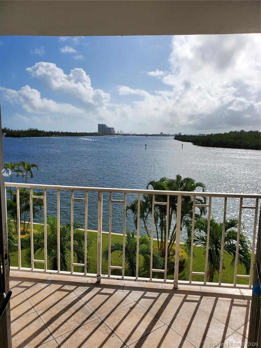 500  Bayview Dr #318 For Sale A10783886, FL