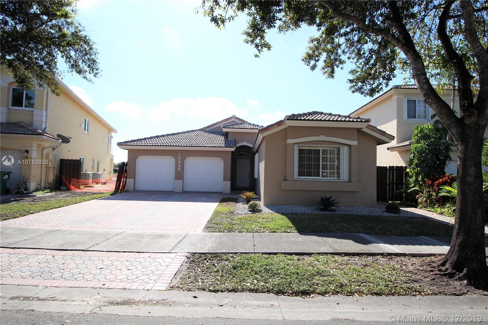 10944 NW 73rd St  For Sale A10783938, FL