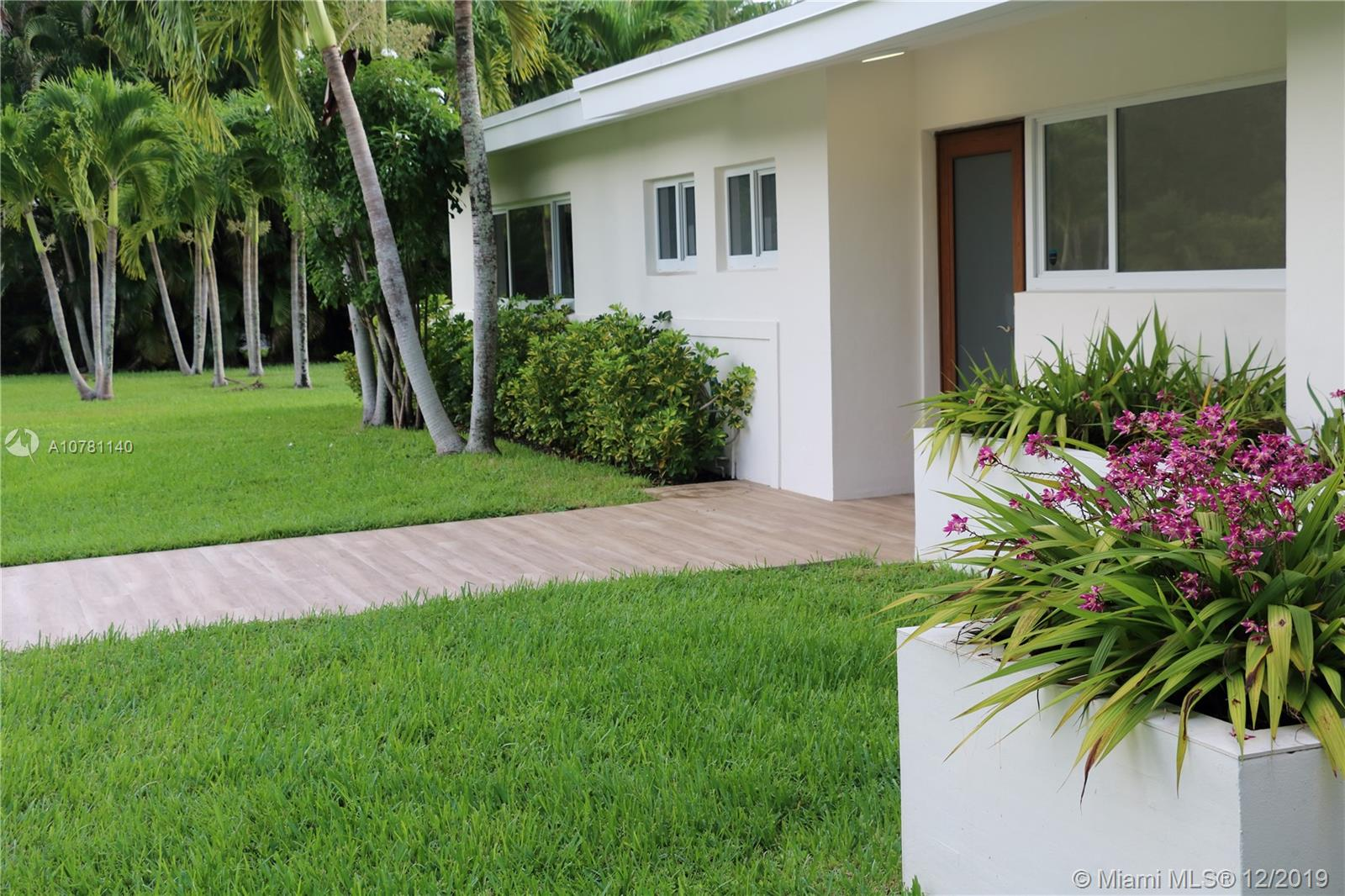 12100 SW 68th Ave  For Sale A10781140, FL