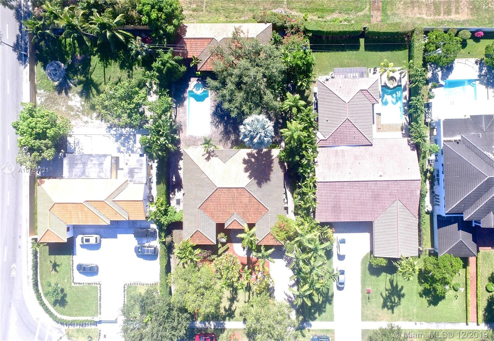 1088  Hunting Lodge Dr  For Sale A10783721, FL