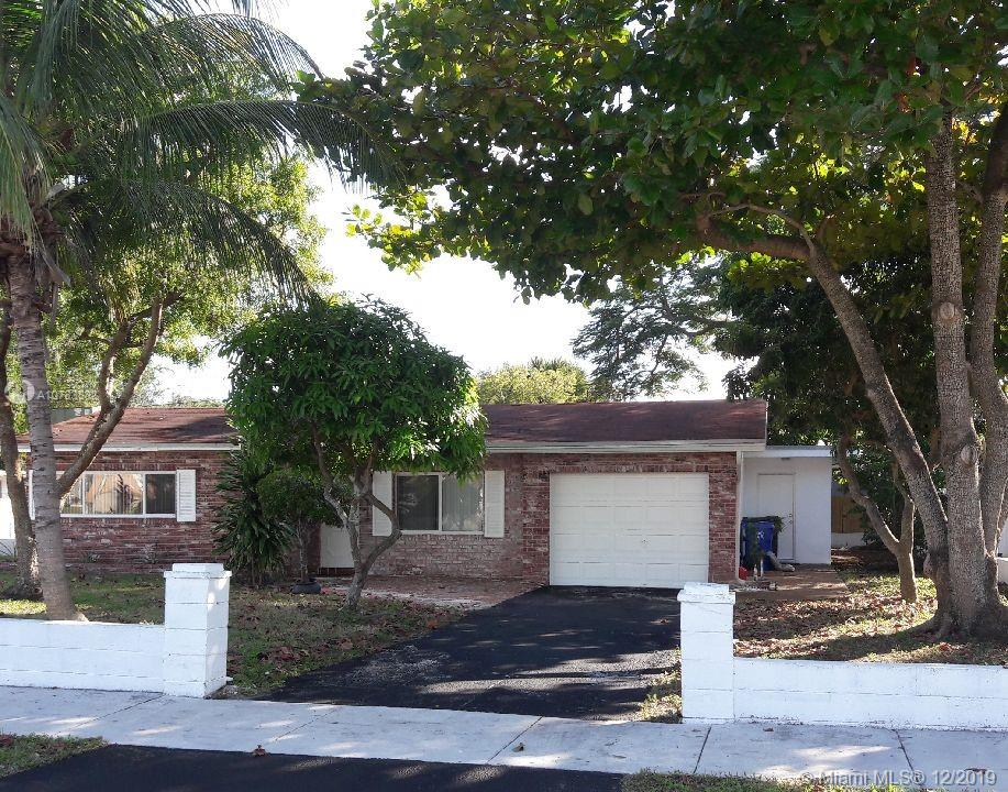 3344 SW 19th St  For Sale A10783882, FL